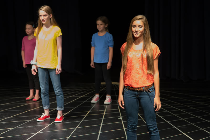 002_RegardingActors_Tweens2013_Website_HiRes__BE2T4447